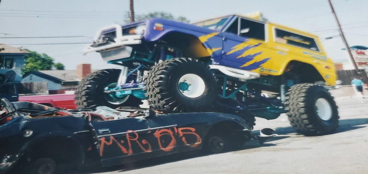 Obsession Race Team - Bronco Mini Monster Truck Build Part 3